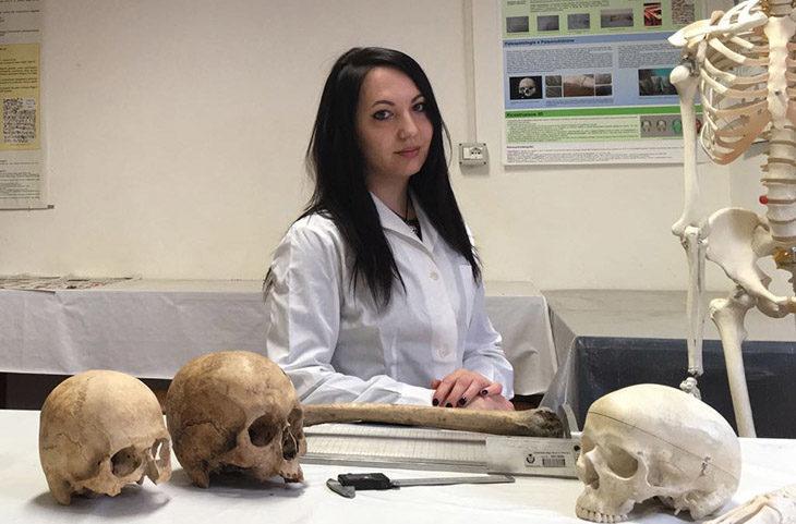 Neurochirugia su una donna incinta nel medioevo, la scoperta su uno scheletro trovato sotto la via Emilia a Imola
