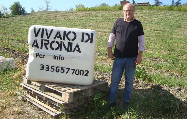 Marco Martelli, l'agricoltore che sostituisce l'albicocco con l'aronia