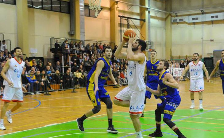 Basket C Gold, i Flying Ozzano rispondono a Imola e riconquistano il secondo posto