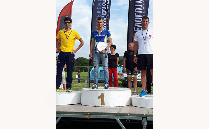 Fabio Galassi dell'Imola Triathlon primo nella sua categoria all'IronLake del Mugello