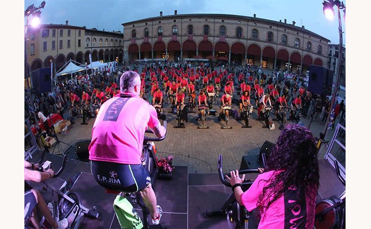 Giro d'Italia Imola, spinning domani in piazza Matteotti per chi ama il fisico in forma