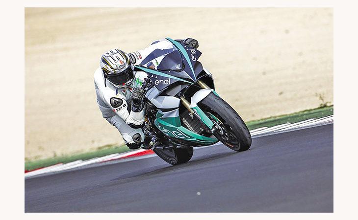 L'ex pilota Loris Capirossi è il tester ufficiale per il progetto del Mondiale di moto elettriche