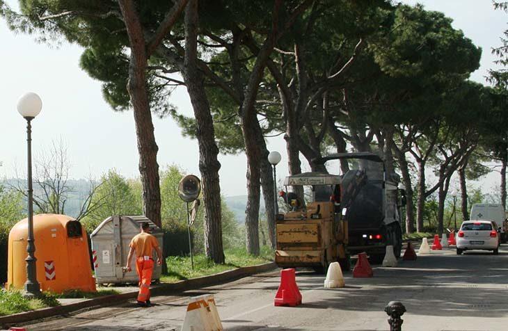 A Castello asfalto per le strade e una rotonda con i soldi della lotta all'evasione