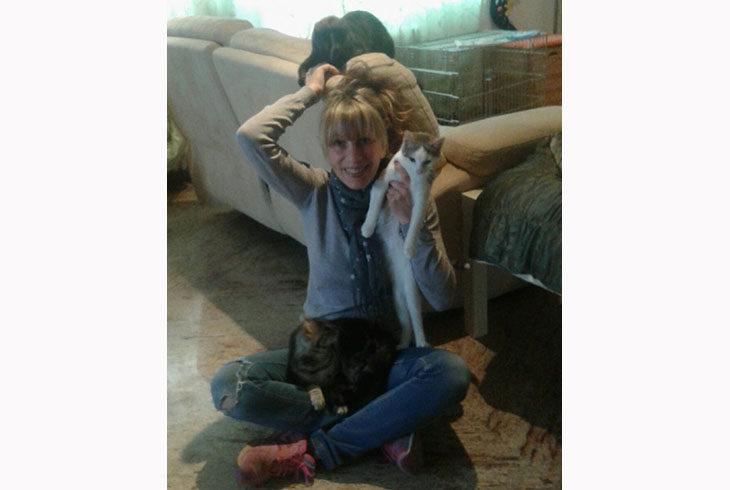 L'Enpa, le volontarie e gli oltre 200 gatti delle colonie feline dozzesi