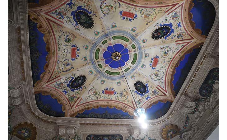 Aule decorate, sala ovale e sotterranei. Alla scoperta di palazzo Liverani, sede del liceo classico Rambaldi di Imola