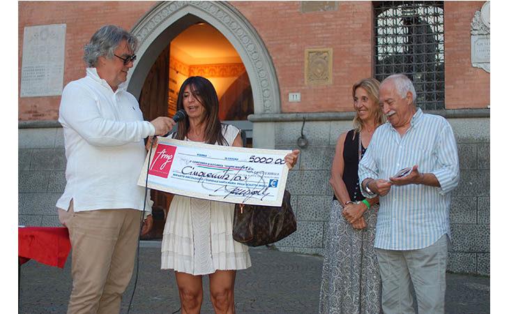 L'Associazione «Manuela Ghini» e il concorso d'auto d'epoca «Gianni Berti» donano 5.000 euro all'Oncologia di Imola