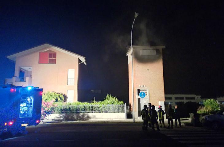 Cabina Hera in fiamme in via Turati, ieri cinquanta utenze senza elettricità per mezza giornata