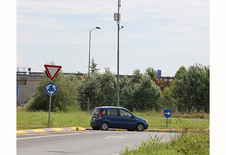 Controlli stradali, a Castel San Pietro meno sanzioni per chi è senza assicurazione o revisione auto