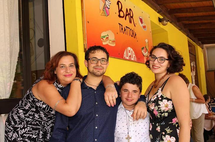 Il Bar Aurora di Sassoleone ha festeggiato 70 anni di attività