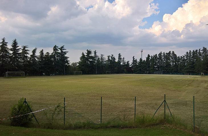 Lavori in corso, si rinnova l'illuminazione dei campi da calcio nel comune di Castel San Pietro