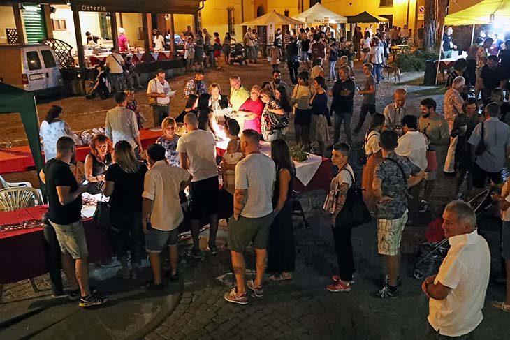 San Lorenzo si festeggia a Fontanelice con un bicchiere di vino e il naso all'insù per guardare le stelle cadenti