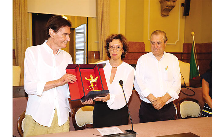 A trent'anni dalla scomparsa di «Checco» Costa consegnato il Grifo Città di Imola ai figli Carlo e Claudio