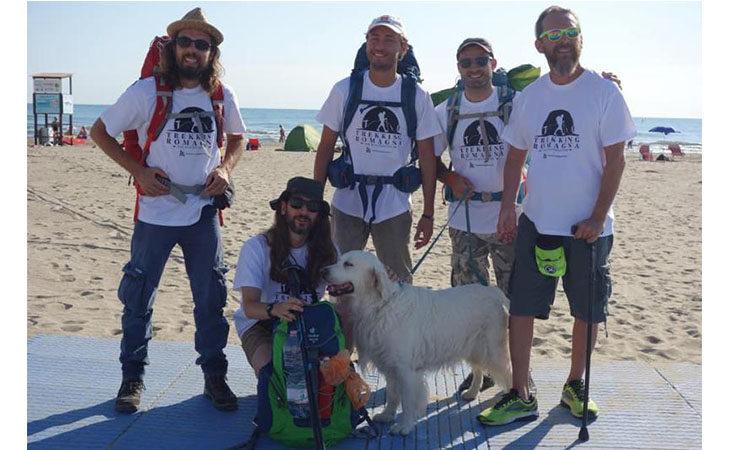 300 km a piedi per Montecatone, obiettivo raggiunto dai tre giovani romagnoli