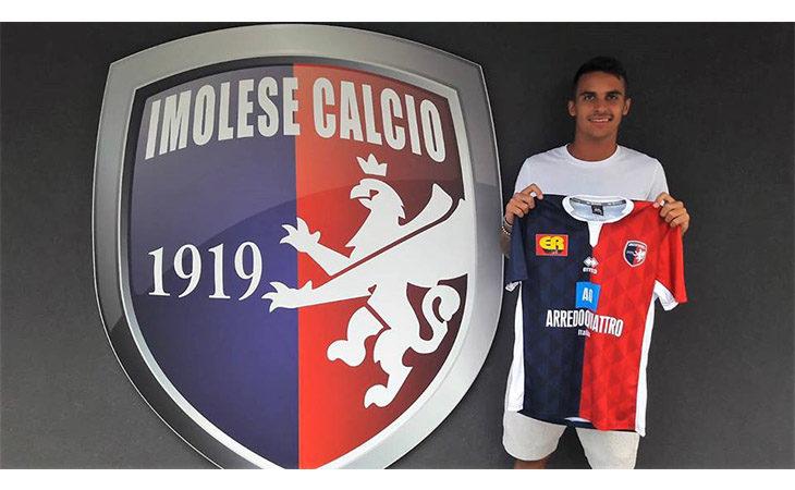 Calcio serie C, l'Imolese riabbraccia il terzino Alessandro Garattoni