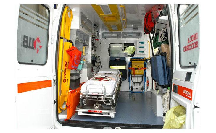 Tragedia in Trentino, cinquantenne annega in un lago sotto gli occhi della moglie