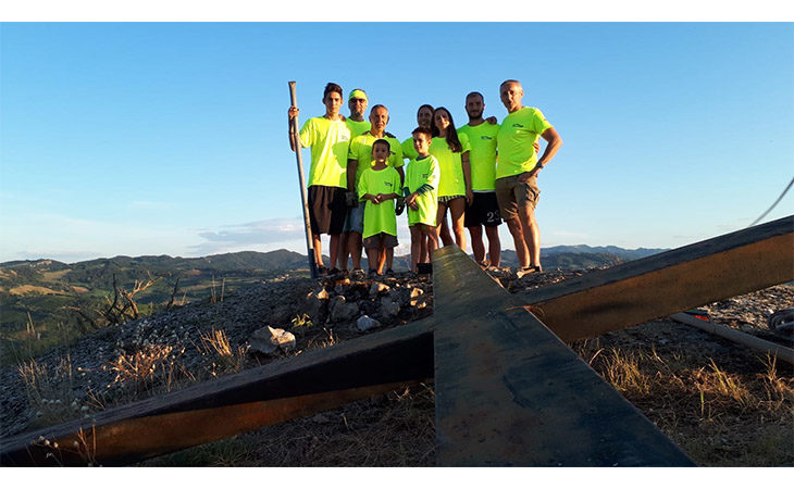 La cima del monte Penzola avrà di nuovo la sua croce grazie al lavoro di Enduro motor valley