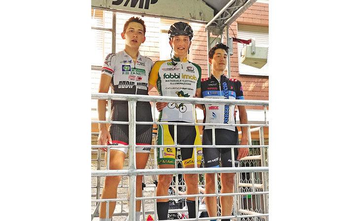 Ciclismo, prima vittoria su strada per Matteo Montefiori nel paese che porta il suo nome
