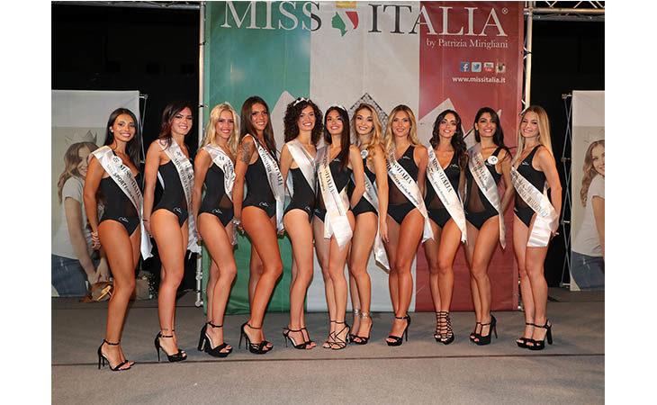 Miss Italia, grande successo in piazza Matteotti a Imola per l'elezione di Miss Emilia. IL VIDEO