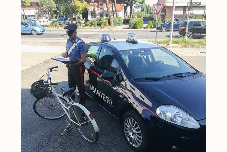 Ruba una bicicletta ma viene subito scoperto e denunciato