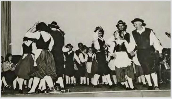 Il gruppo dei ballerini folkloristici castellani compie 90 anni: dai primi passi alla rinascita del 1973
