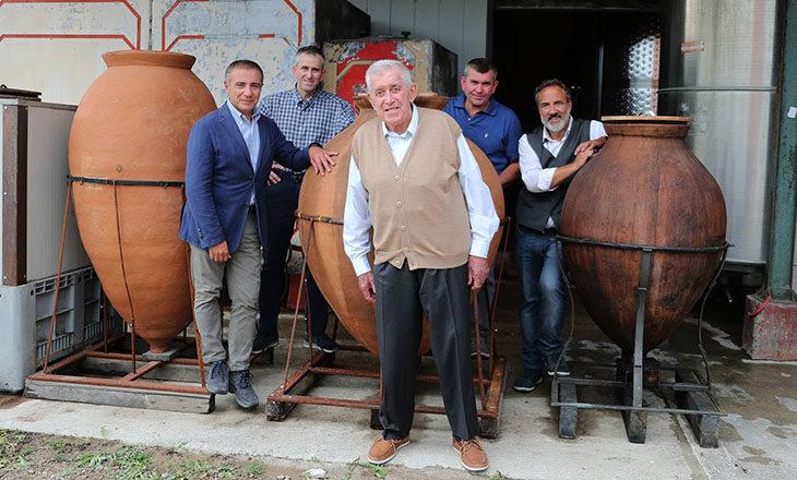 La Tre Monti della famiglia Navacchia in tv tra i «Signori del Vino» di Romagna su Rai2