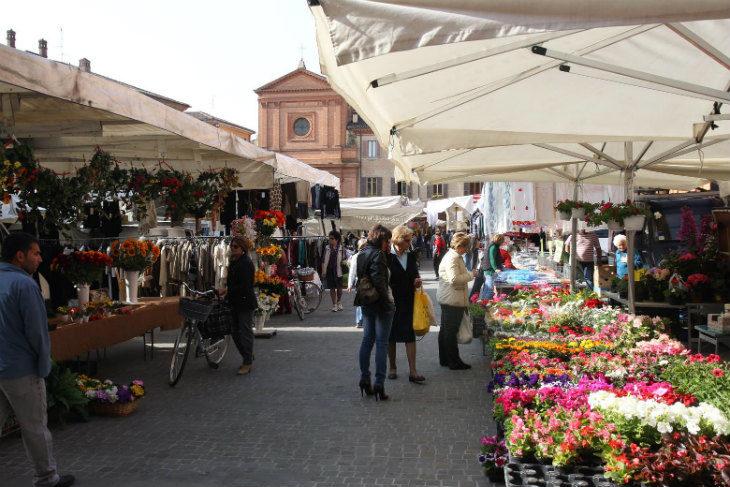 Mercati ambulanti, si cambia: novità in Pedagna il sabato e a Ponticelli per la Sagra dei Maccheroni