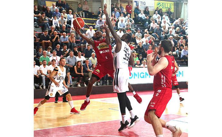 Basket A2, Le Naturelle vince la prima contro il passato Cavina