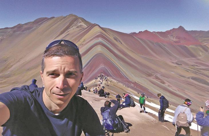 A piedi per un mese sulle Ande: l'esperienza di Enrico Dolla che ha sfidato in Perù i disagi dell'altitudine