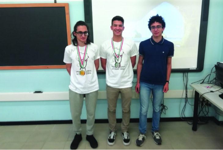 L'istituto Alberghetti brilla alle Olimpiadi italiane di informatica: tre studenti in finale e due medaglie vinte