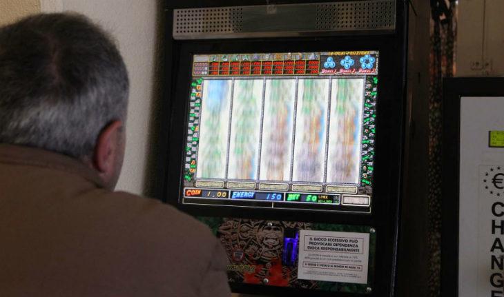 Castel San Pietro disciplina il gioco d'azzardo, presto anche orari comuni per le slot con Imola e Medicina