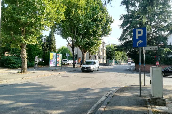 Contro la rotonda Scania-Marconi di Castel San Pietro 380 firme. Il sindaco: «Farà diminuire l'inquinamento»