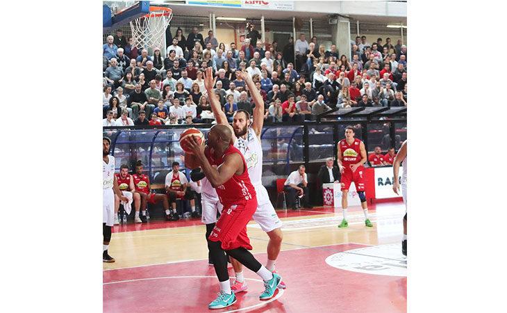 Basket A2, Le Naturelle Imola perdono il derby agroalimentare con OraSì Ravenna