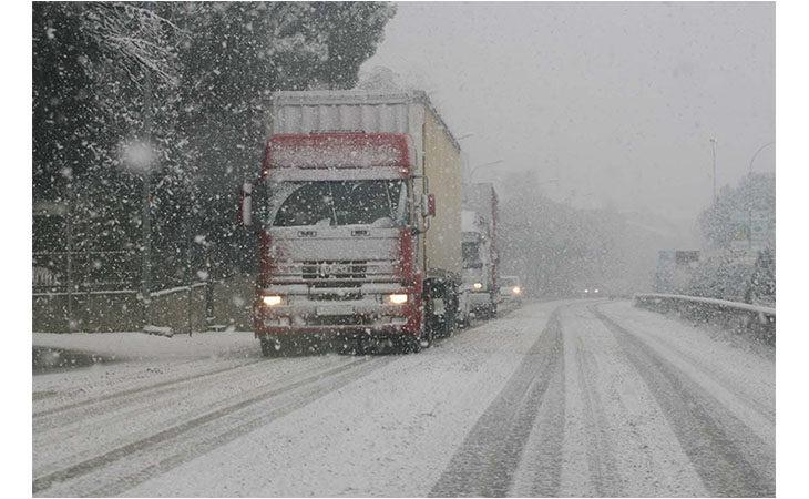 Da domani obbligo di circolazione con pneumatici invernali o catene a bordo