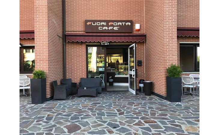 Tentato furto a Imola al «Fuori Porta Café»