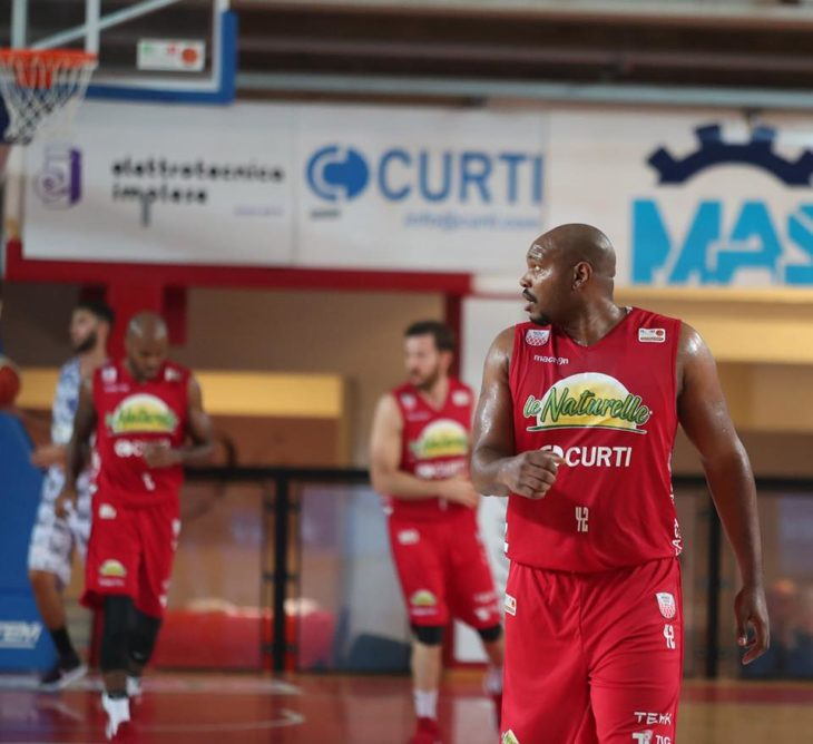 Basket A2, Le Naturelle azzannano gli squali all'ultimo morso