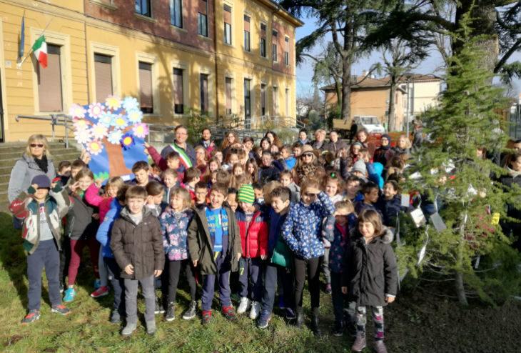 Le scuole di Mordano e Bubano hanno celebrato la Festa degli alberi con tante iniziative