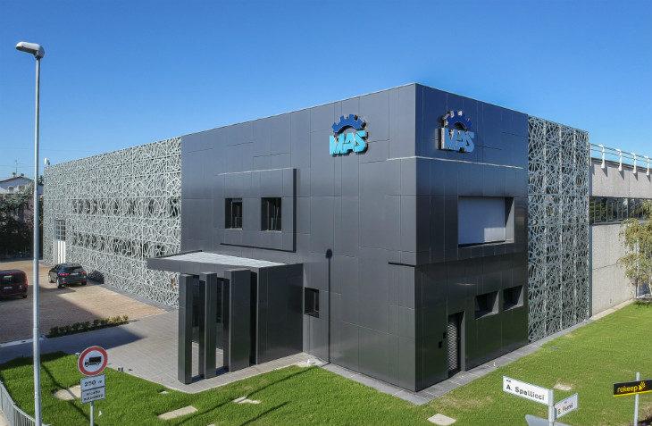 L'azienda metalmeccanica Mas ha festeggiato i suoi primi 40 anni regalandosi un nuovo look