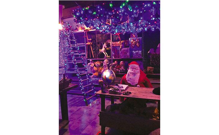 L'officina di Babbo Natale apre le porte nell'ex asilo di Osteria Grande