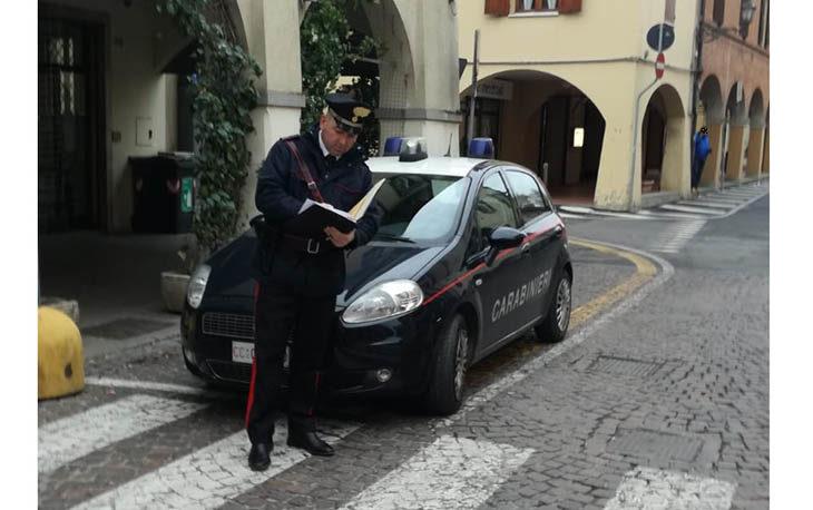 Prende a pugni tre anziani senza motivo, arrestato un 39enne a Castel San Pietro
