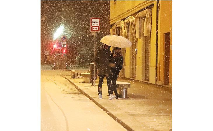 La magia della neve a pochi giorni dal Natale. IL VIDEO