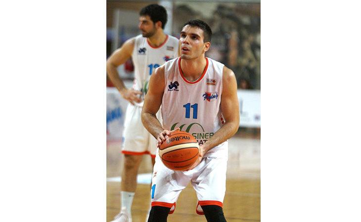 Basket serie B, una Sinermatic Ozzano incerottata cede solo nel finale alla forte Cesena