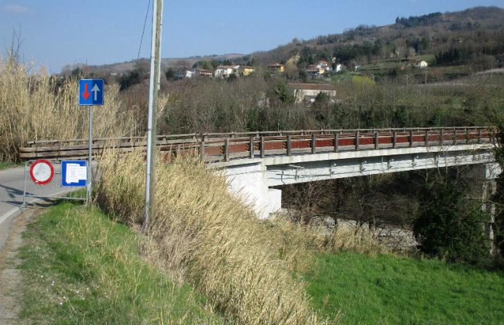 Il ponte di Filetto è solido, ma va ripristinata la briglia e intanto resta il divieto per i mezzi pesanti