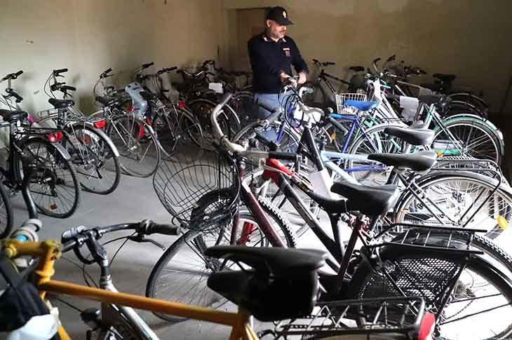 Droga in cambio di bici rubate, un giovane denunciato per ricettazione. Indagine tra Imola e Massa Lombarda
