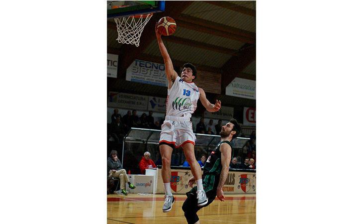 Basket serie B, il castellano Salieri regala un dispiacere alla Sinermatic Ozzano