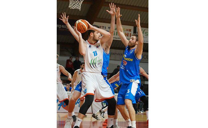 Basket serie B, pesante sconfitta per la Sinermatic a Cremona