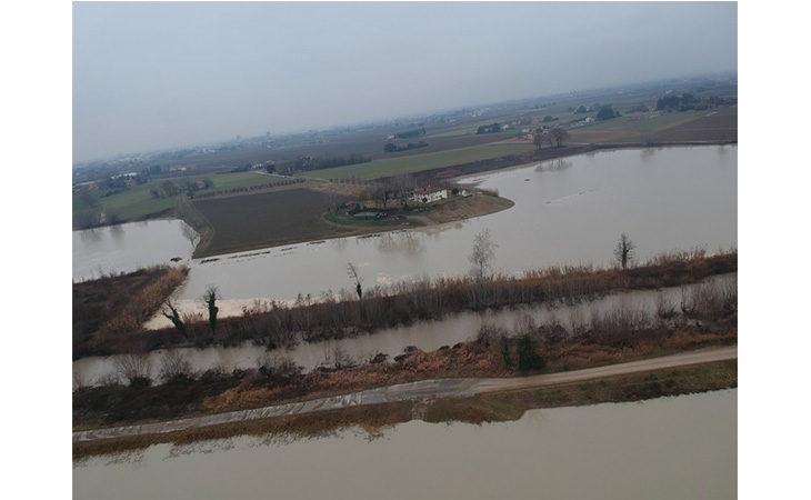 Paura per la piena del fiume Santerno a San Prospero. La rabbia dei residenti: «Nessuno ci ha dato ascolto»