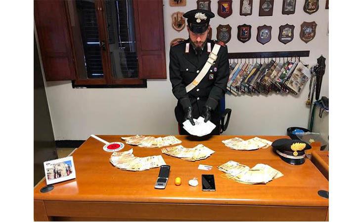 Sorpreso con cocaina di «prima scelta» e migliaia di euro in contanti, 47enne arrestato dai carabinieri