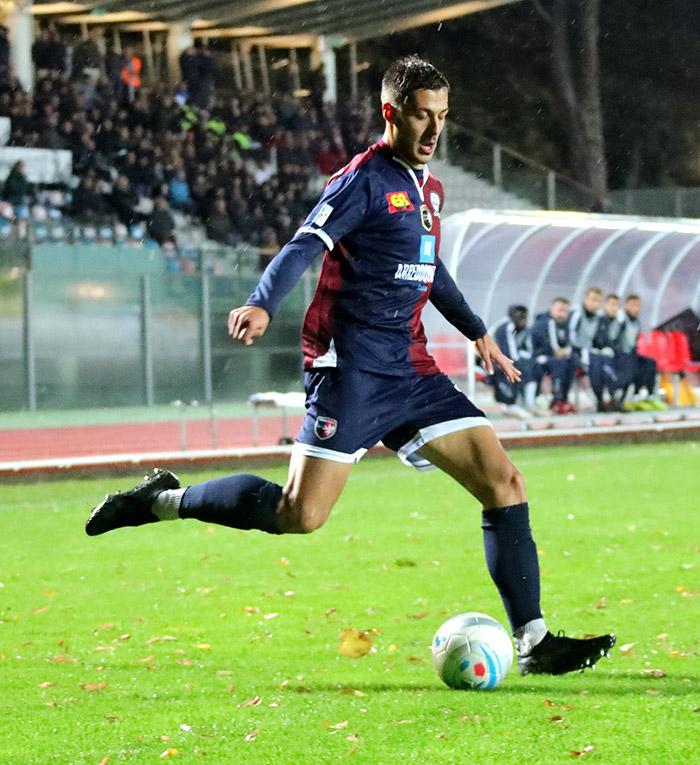 """Serie C: Imolese vince con il gol """"sporco' di De Marchi e quello """"europeo' di Lanini"""