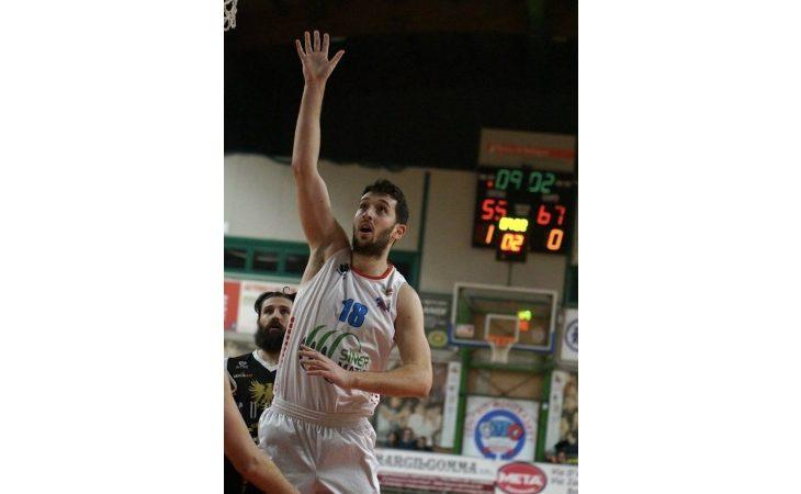 Basket serie B, vittoria casalinga scaccia-crisi per la Sinermatic Ozzano