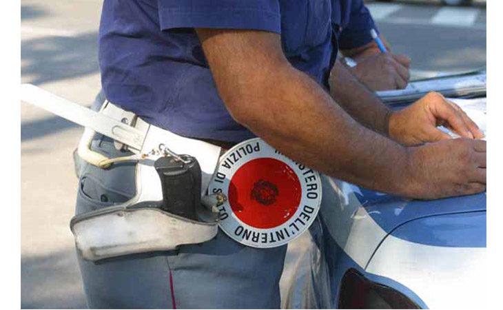Rubano portafoglio e prelevano con il Postamat, ladre incastrate dalla tecnologia
